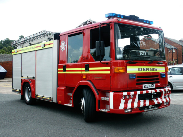 dennis sabre fire engine hereford worcester fire and rescue service